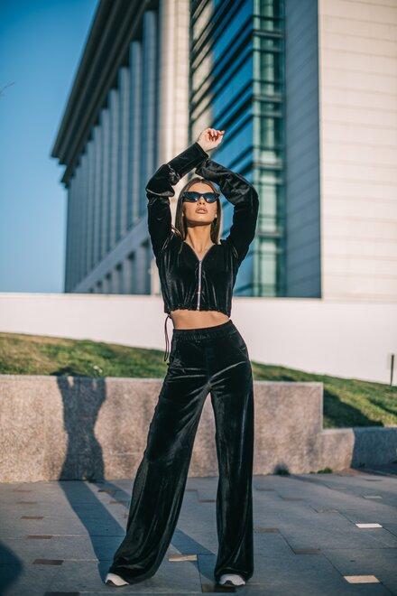 Trening dama catifea BLACK OVERSIZED UNIQUE cu pantaloni evazati