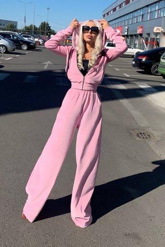 Trening dama lejer din catifea LIGHT PINK MADNESS cu pantaloni evazați