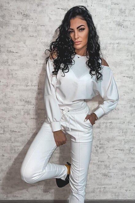 Trening dama WHITE WINTER cu bluza cu decupaje