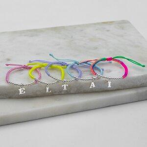 Bratara copii cu snur impletit tubular, bilute si litera Argint, personalizata (9 mm)