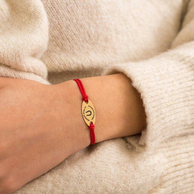 Bratara martisor cu snur rosu oval argint placat cu aur galben 24K cu mesaje de primavara (22 mm) (minim 3 buc)
