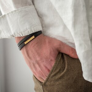 Bratara unisex piele multistrat placuta 31 mm personalizata gravura text Argint 925 Premium (inchizatoare inox clips)