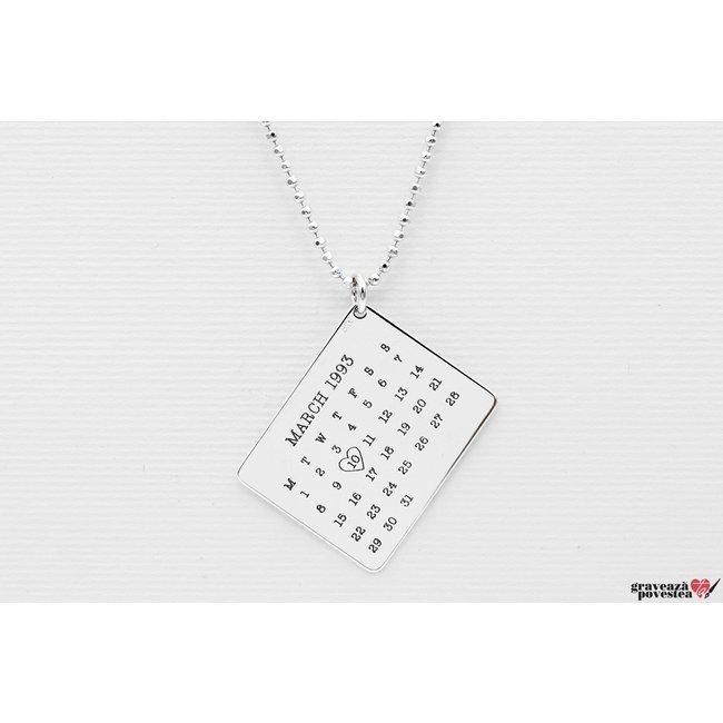 Colier calendar 25 mm personalizat gravura text Argint 925 rodiat (lant Beads)