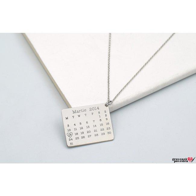 Colier calendar 25 mm personalizat gravura text Argint 925 rodiat